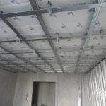 каркас потолок этап монтажа