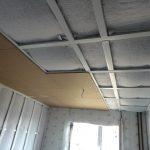 монтаж панелей соноплат потолок